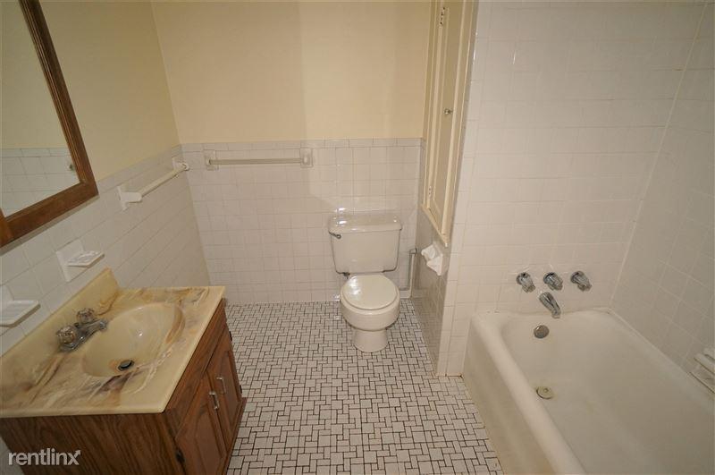 Firebird - Bathroom
