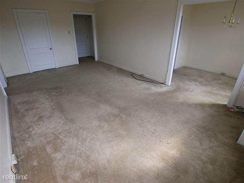 Champion - Living Room
