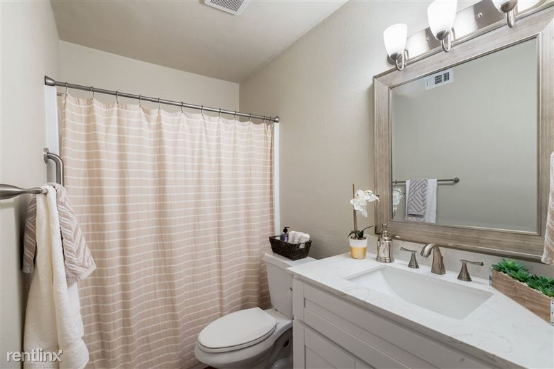 Blanco Oaks Apartments - 9 -