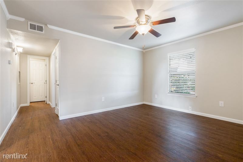 Blanco Oaks Apartments - 4 -