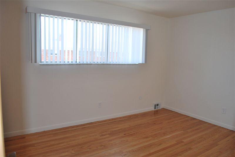 North Shore Apartments - 3 - Bedroom