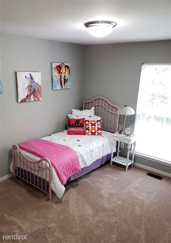 Westbury Village Townhouses - 7 - Model-bedroom 1