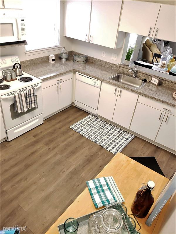 Westbury Village Townhouses - 8 - Large Open Kitchen with Tons of Cabinets