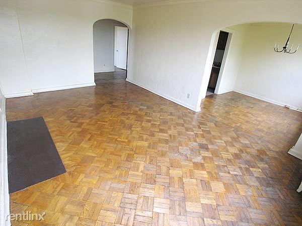Bloomfield - Living Room