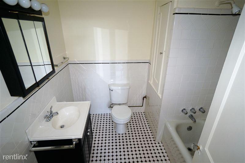 Hudson - Bathroom