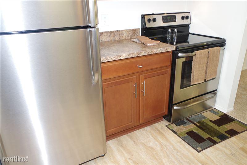 2374 Coolidge Kitchen Appliances