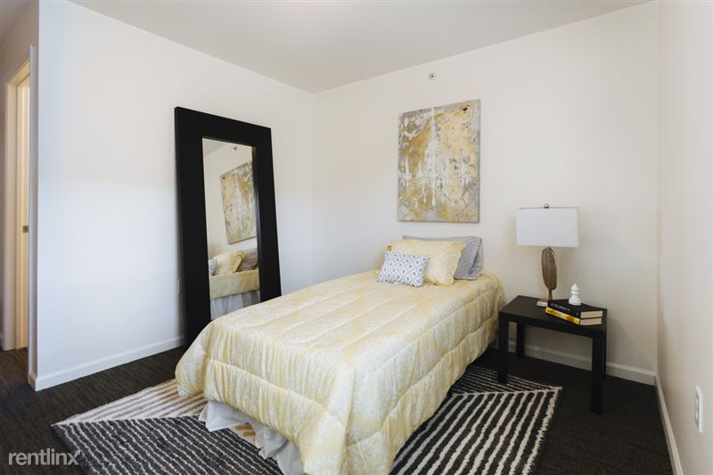 The Gates - 2 - Bedroom!