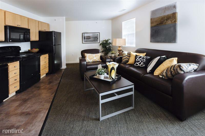 The Gates - 4 - Furnished living room!
