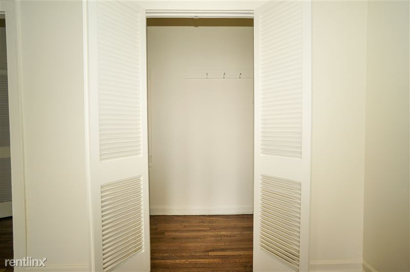 Royale - Living Room Closet