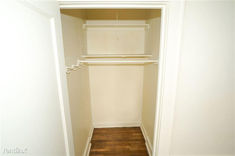 Zephyr - Bedroom Closet