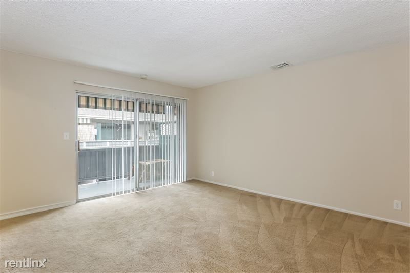 009-photo-living-room-6740225