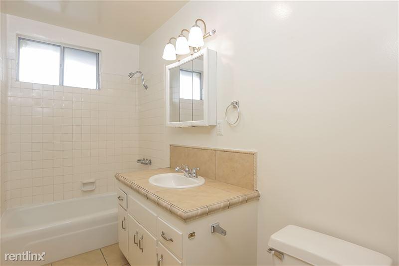018-photo-bathroom-6740222