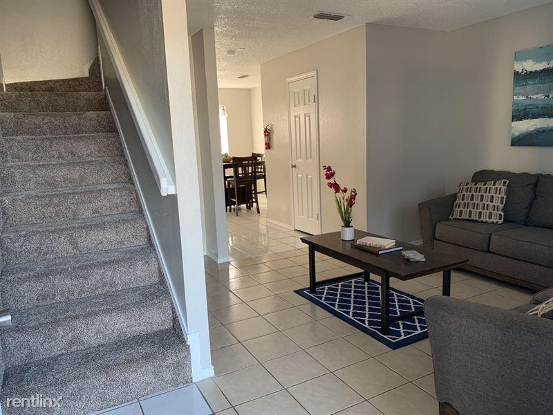 Las Violetas Town Home Apartments - 3 - violetas 1