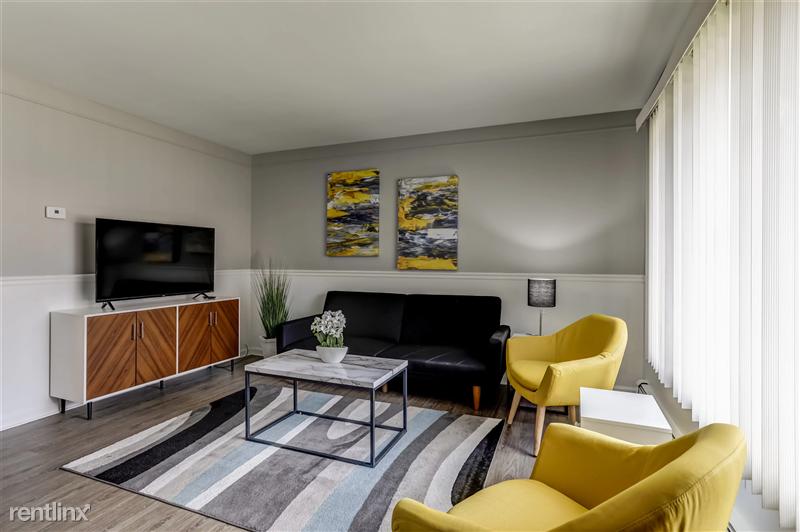 Furnished Suites in Royal Oak - 1 - 3921 Devon Road - Living Room