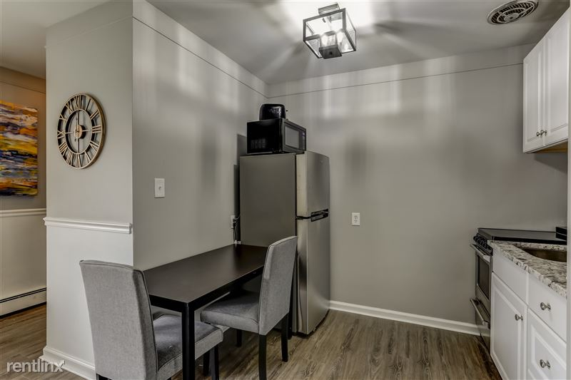 Furnished Suites in Royal Oak - 10 - 006-3921DevonRoad-RoyalOak-MI-48073-full