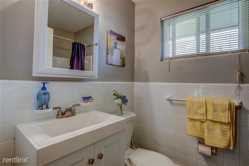 Furnished Suites in Royal Oak - 6 - 009-4123KentRd-RoyalOak-MI-48073-full