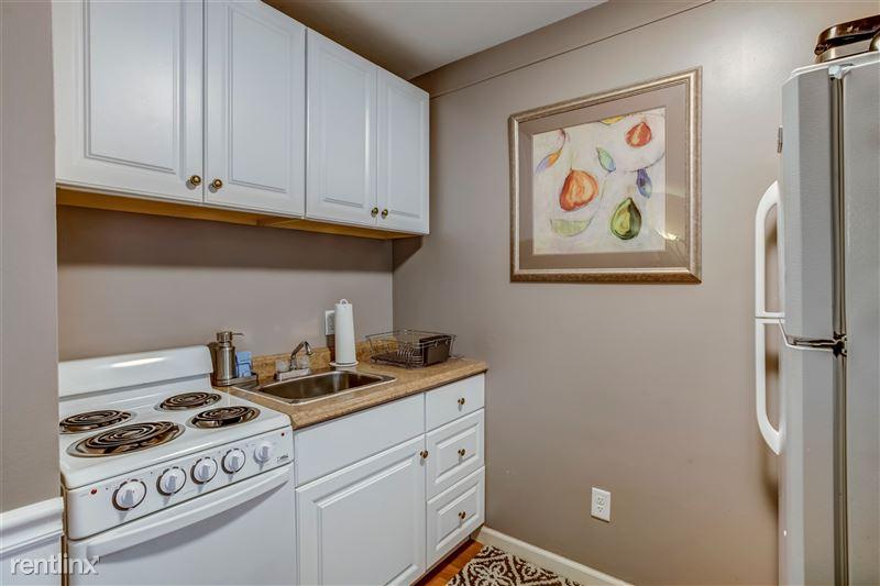 Furnished Suites in Royal Oak - 16 - 006-3933DevonRd-RoyalOak-MI-48073-full