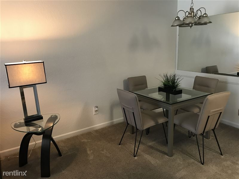 Furnished Apartments in Sterling Heights/Troy - 6 - IMG_2257
