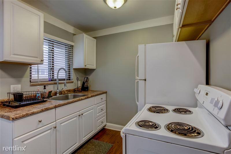 Furnished Suites in Royal Oak - 4 - 006-3937DevonRd-RoyalOak-MI-48073-full