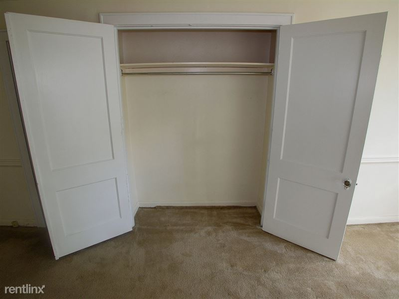 Bantam - Closet