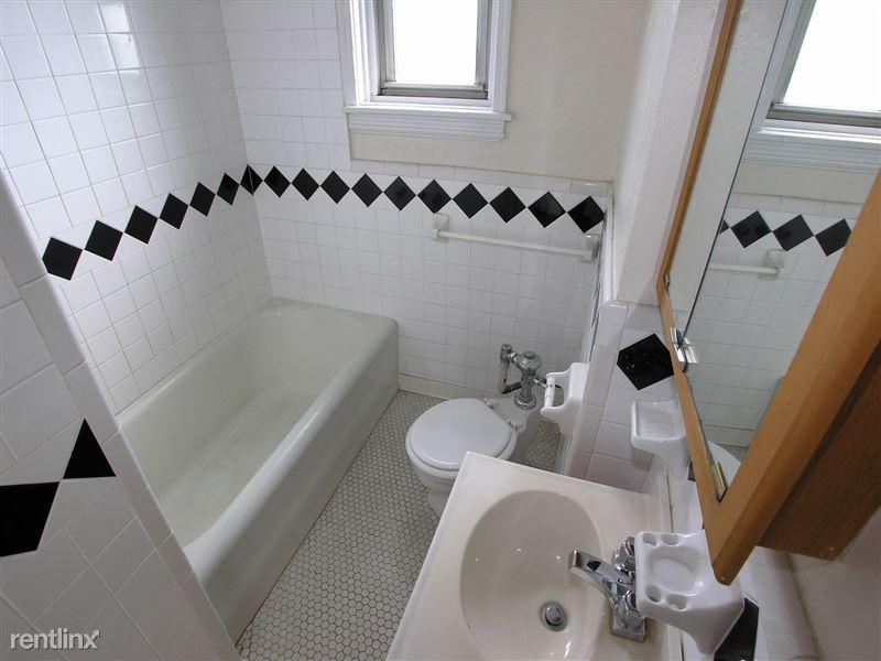 Packard - Bathroom