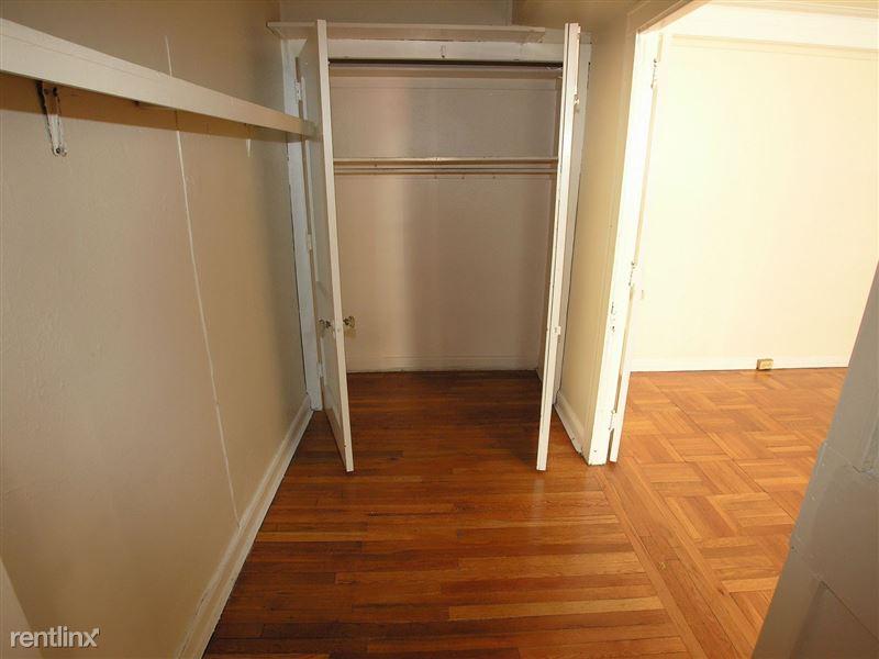 LeBaron - Dressing Closet