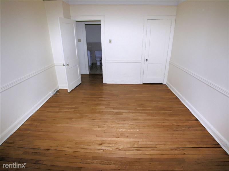 Royale - Bedroom