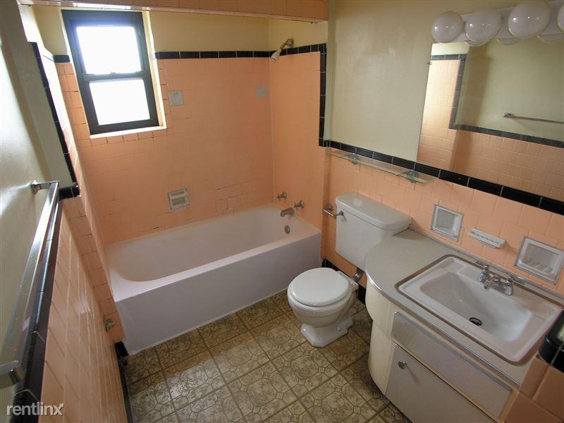 Sewickley - Bathroom
