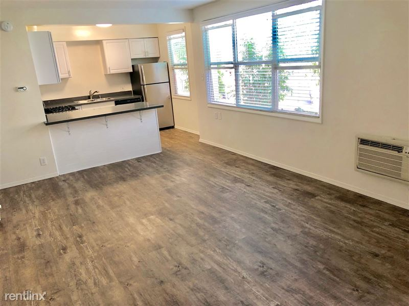 Crescent Hill Lofts - 3 - CHL 5 Living Room 1