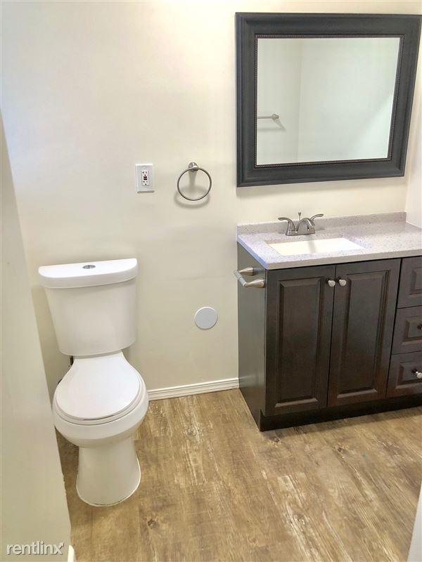 Crescent Hill Lofts - 6 - CHL 5 Bathroom