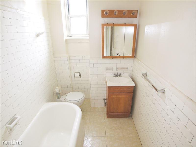 Victoria - Bathroom