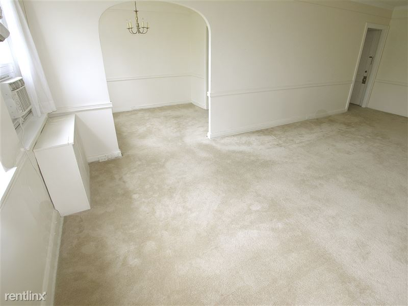 Victoria - Living Room
