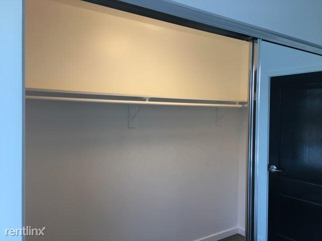 Blu Beverly Hills - 7 - 504 walk in closet super large