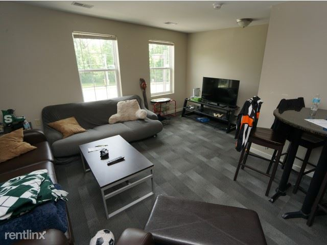 The Gates - 2 - Furnished living room!