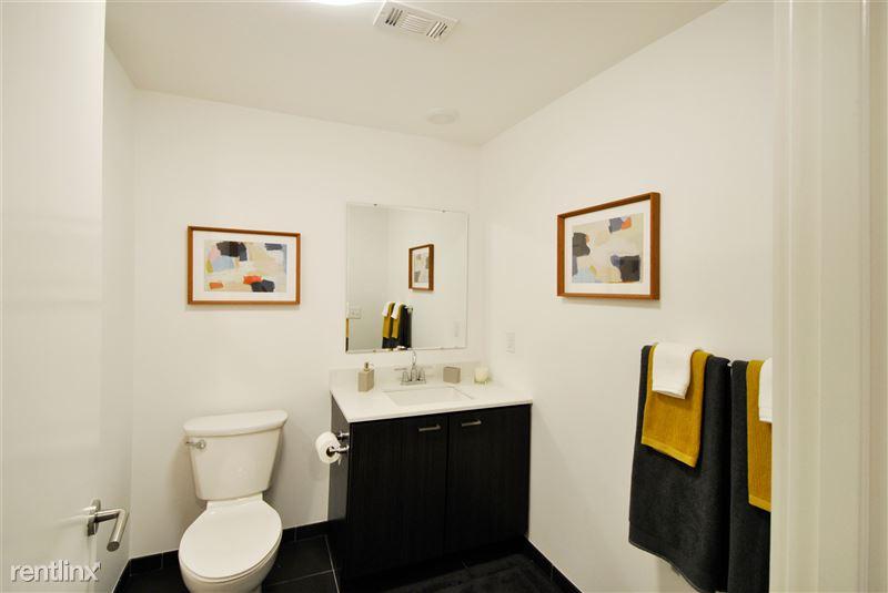 Furnished Suites - Corktown @ The Corner Detroit - 2 - Model bath
