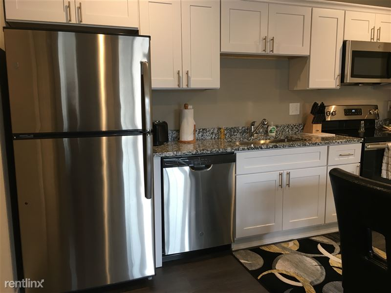 Flex-Lease/Furnished. Sterling Landings (New 2018) - 6 - IMG_4508