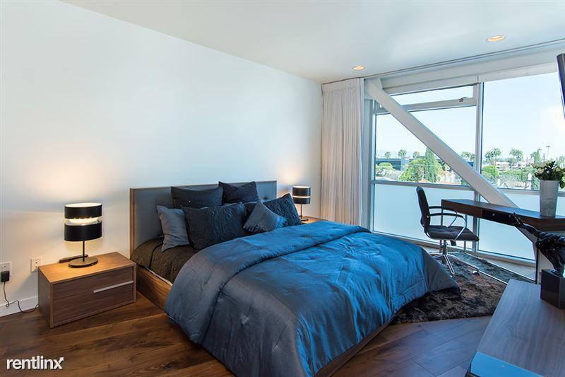 Blu Beverly Hills - 4 - 01 Blu Master bed