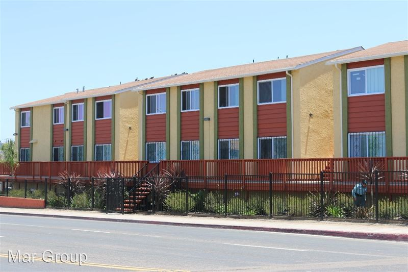 3295-99 Imperial Ave - 1 -