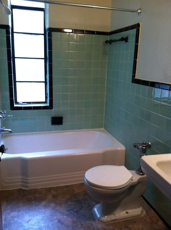 The Marlenor Apartments - 3 - Ceramic Tile Bath