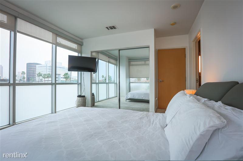 Blu Beverly Hills - 5 - BedroomNew blu
