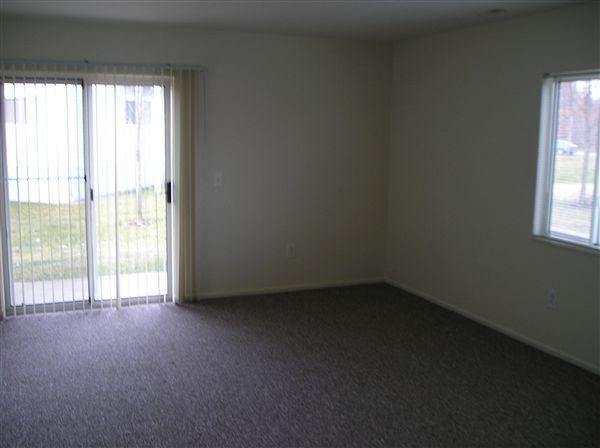 3 bedroom livingroom