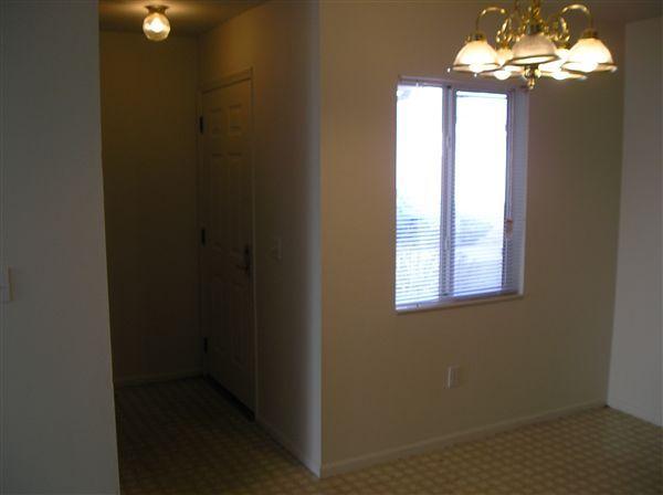 3 bedroom entry/dining