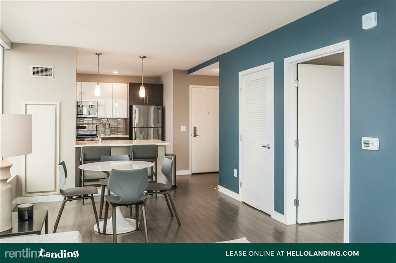 boston-north-end-144-4-livingroom