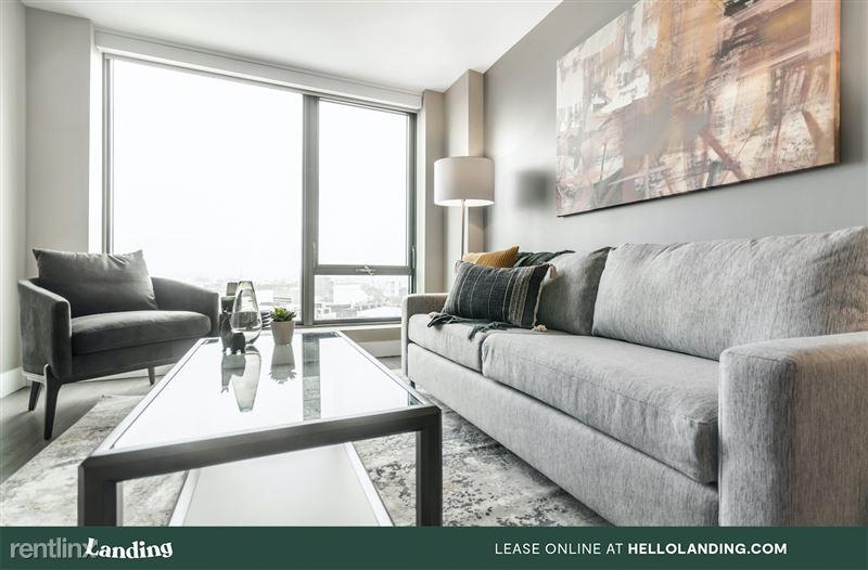 boston-north-end-334-5-livingroom