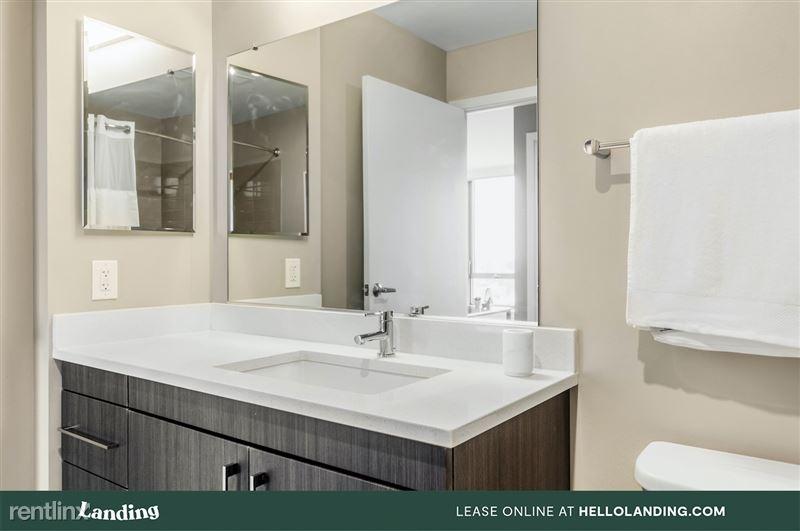 boston-north-end-334-12-bathroom