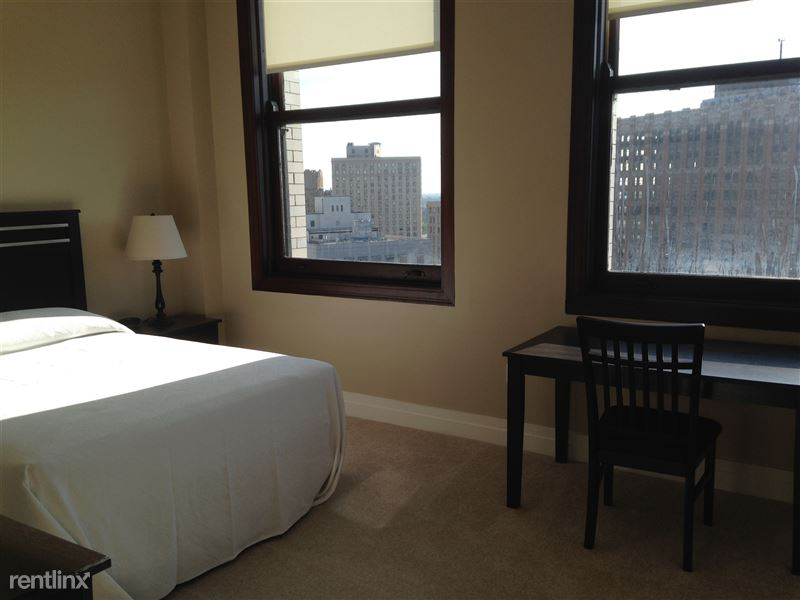 Detroit Flex-Lease/Furnished @ The David Whitney - 15 - Bedroom