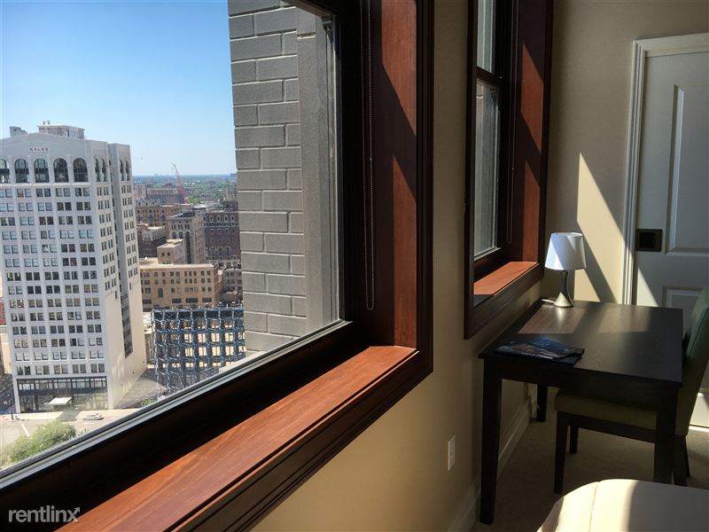 Detroit Flex-Lease/Furnished @ The David Whitney - 11 - 2016-06-24 15.27.08