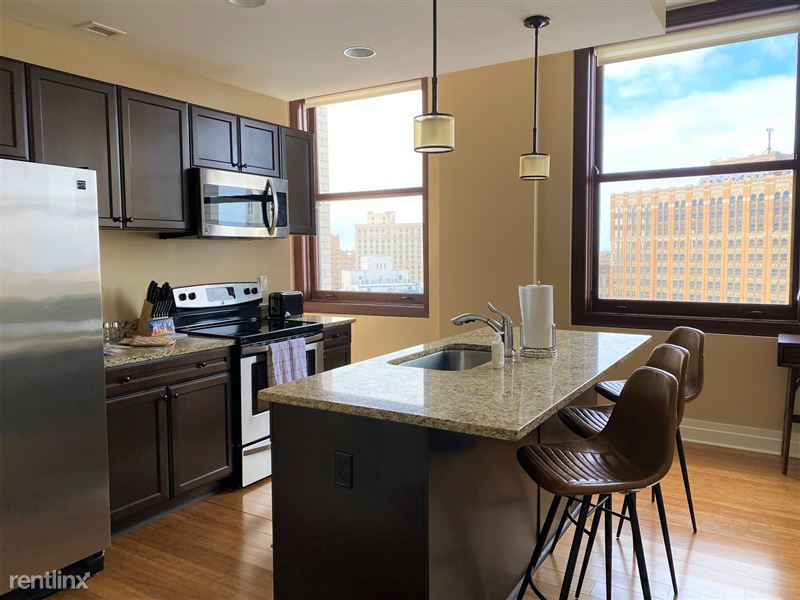 Detroit Flex-Lease/Furnished @ The David Whitney - 12 - IMG_5888