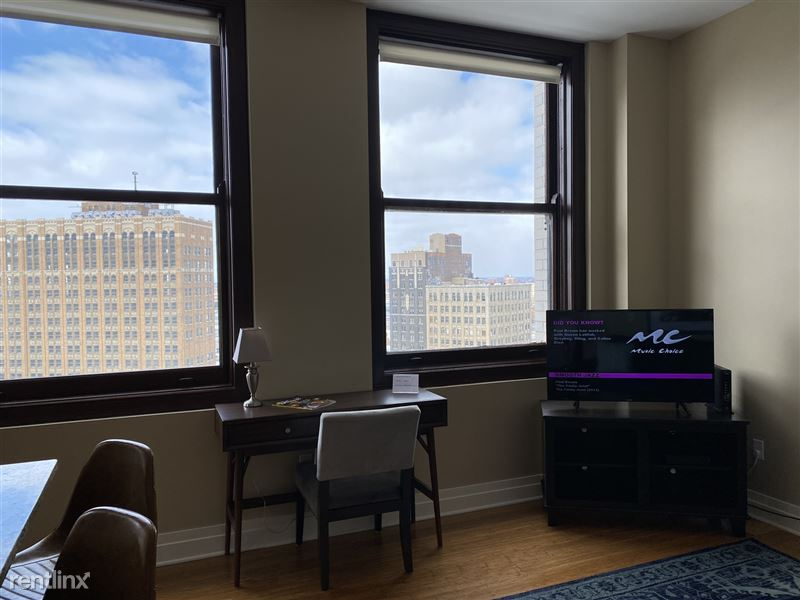 Detroit Flex-Lease/Furnished @ The David Whitney - 16 - IMG_5902