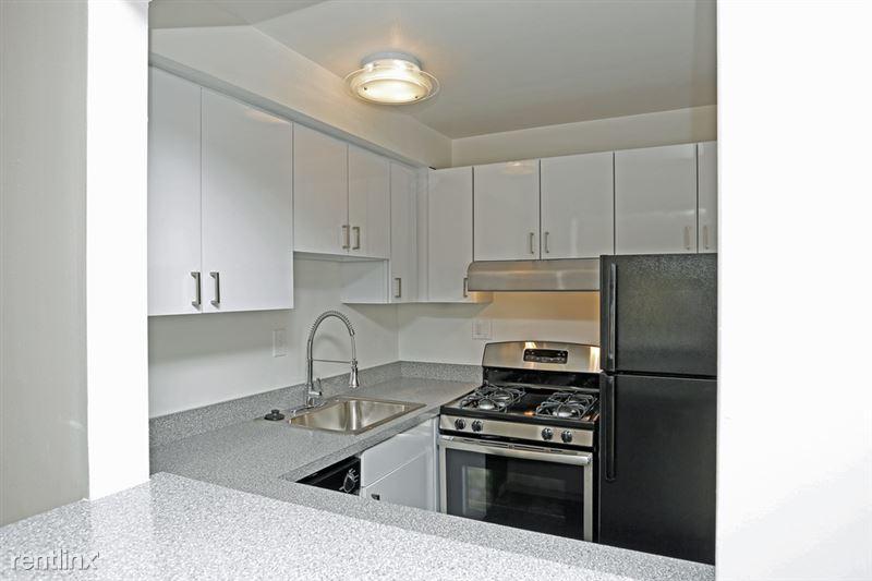 Metropolitan 13 Apartments - 4 - m13 kitchen 2 - Copy
